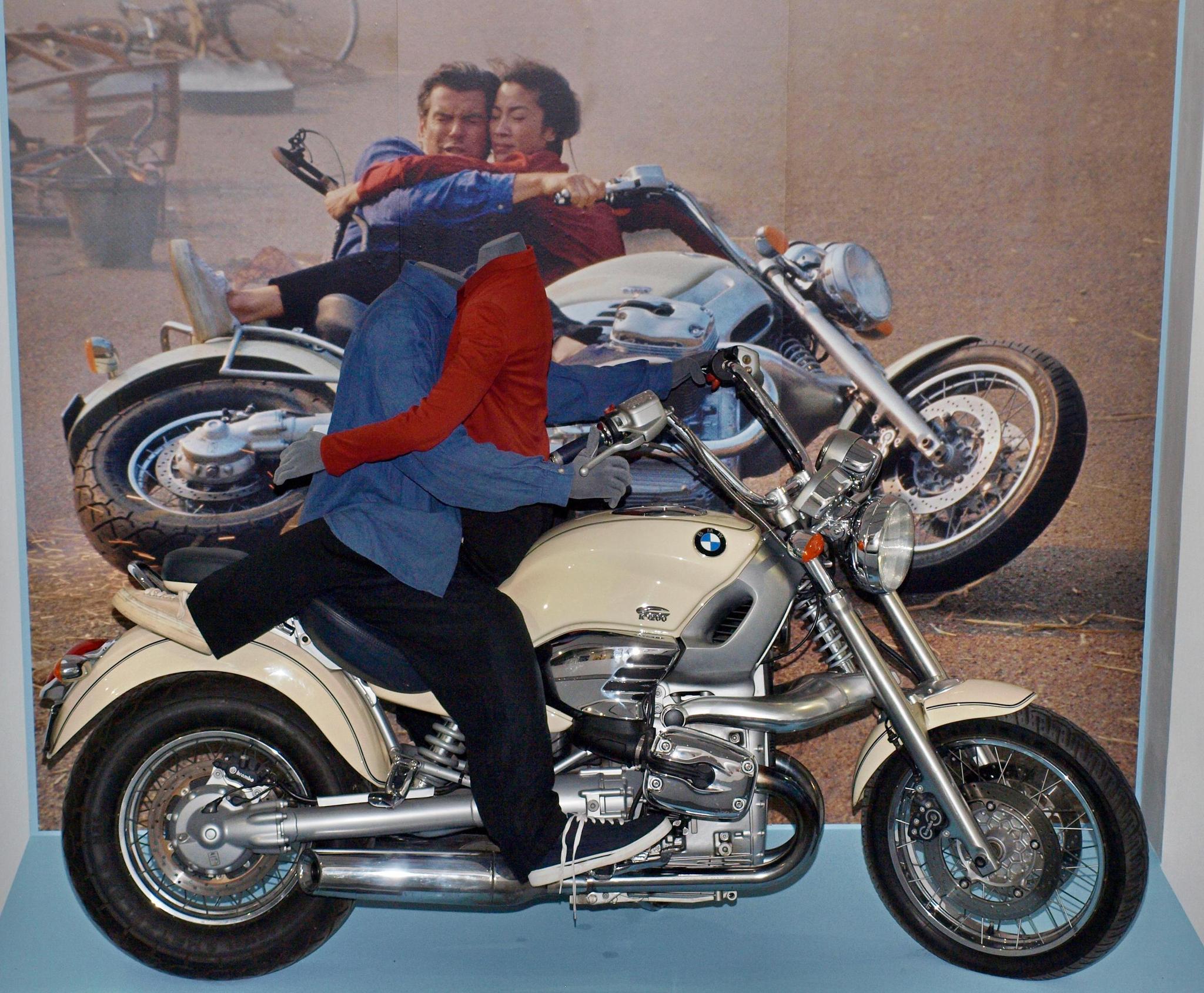 Мотоцикл BMW из «Завтра не умрёт никогда». Фотография Малец Михаила Георгиевича