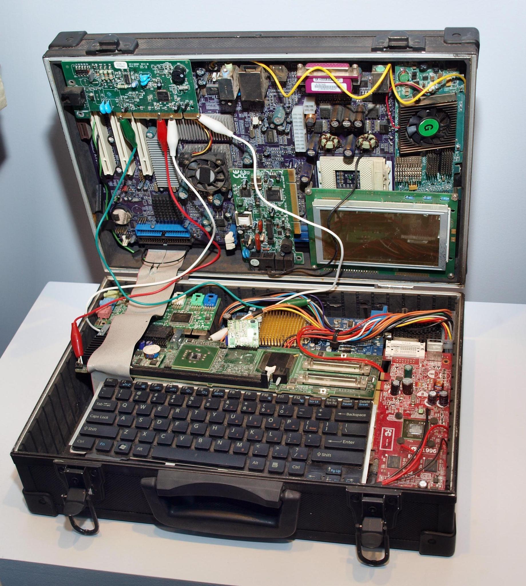 «Суперкомпьютер» Бонда. Фотография Малец Михаила Георгиевича