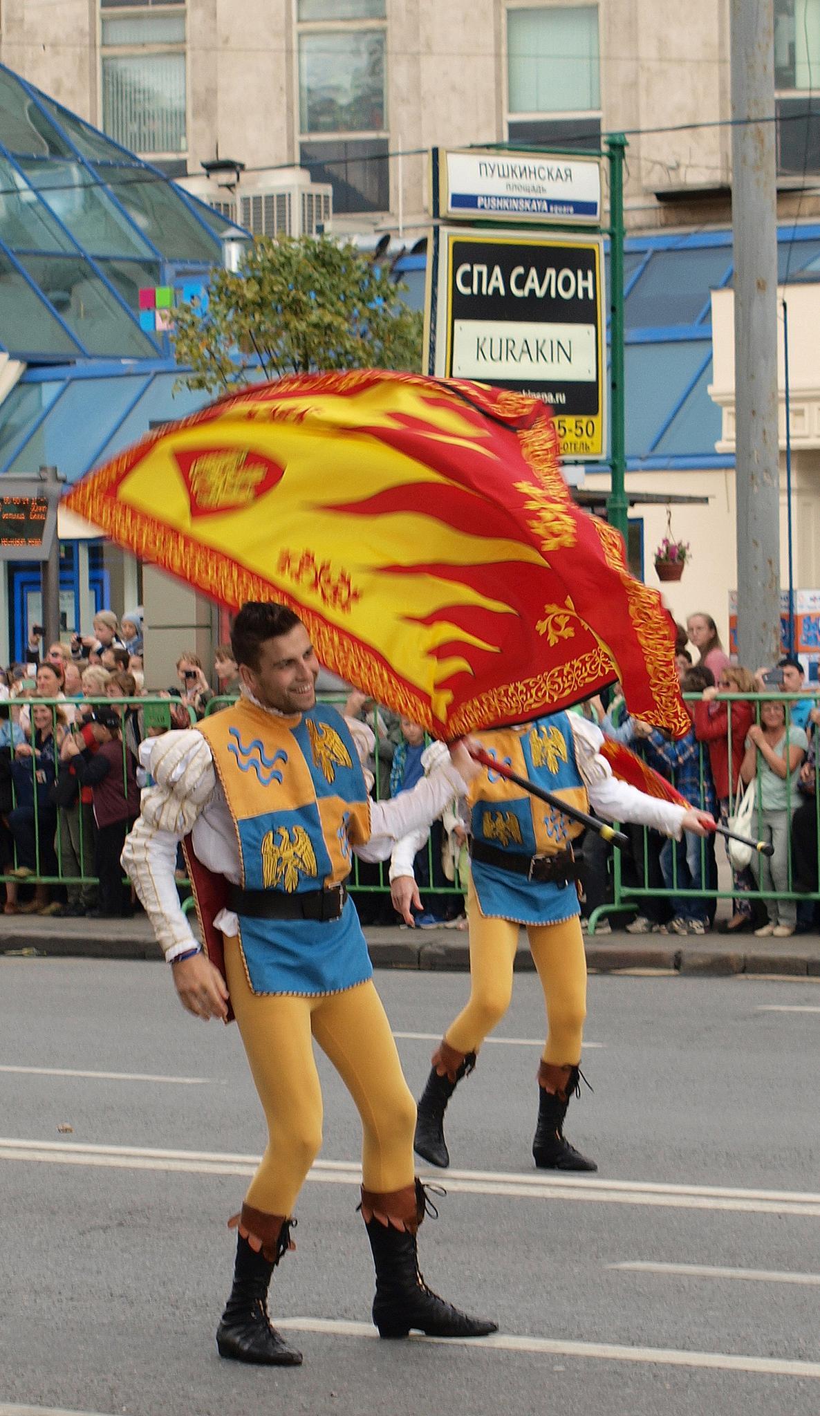 Итальянские флагоносцы. Жонглирование флагами. Фотография Малец Михаила Георгиевича