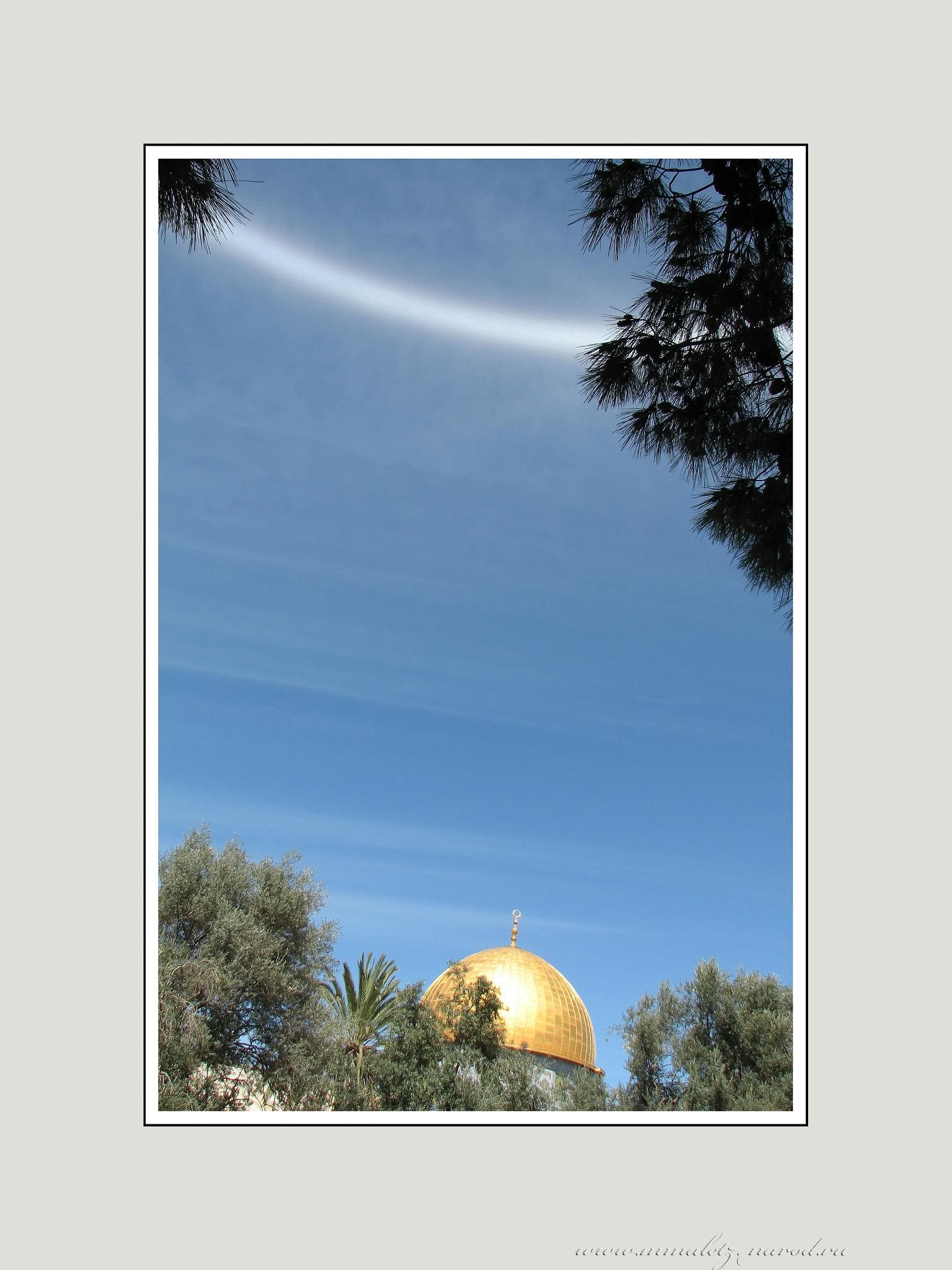 Артефакт в небе Иерусалима